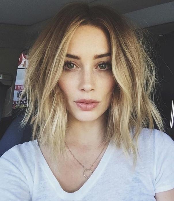 Modne fryzury dla półdługich włosów