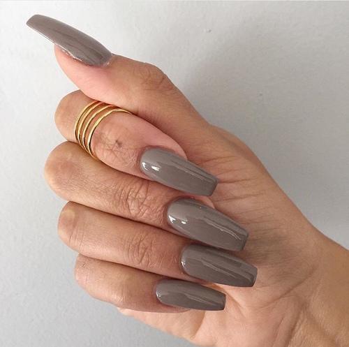 Skuteczne triki na szybki porost paznokci