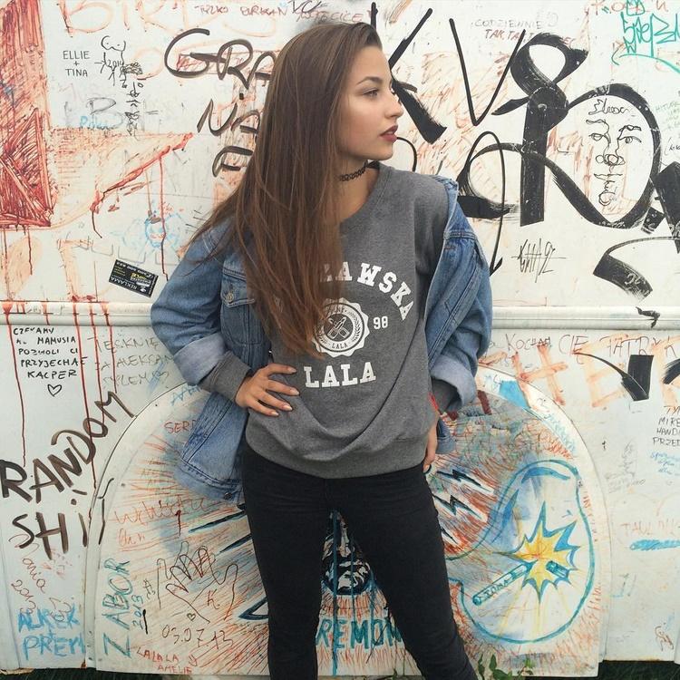 Skradnij jej styl: Julia Wieniawa