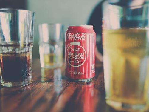 Jak napoje energetyczne wpływają na twoje zdrowie i urodę?