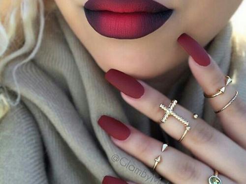 Jak szybko wysuszyć pomalowane paznokcie?
