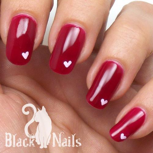 Walentynkowy manicure