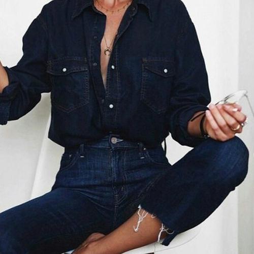 Stylizacje z jeansową koszulą