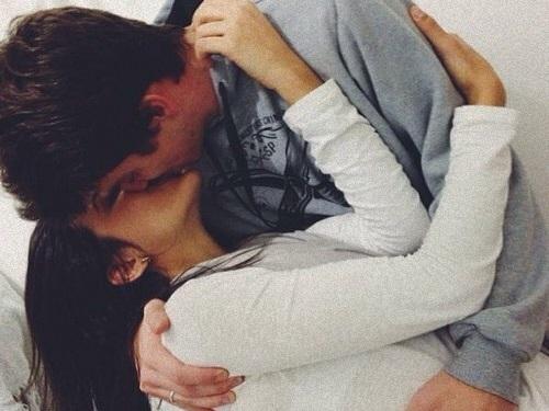 Jak zostać mistrzynią pocałunku?