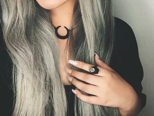 Jak wzmocnić włosy i paznokcie