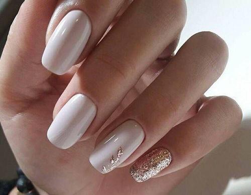 Dyskretne wzory na paznokcie