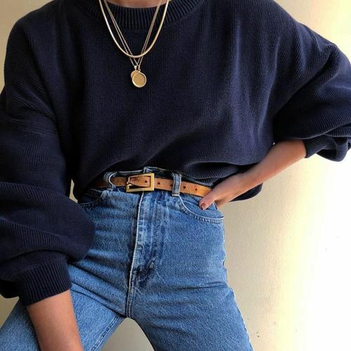 Zimowe stylizacje z bluzą