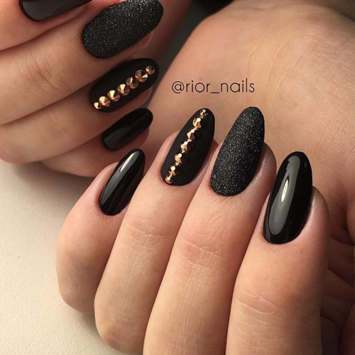 Pomysły na czarne paznokcie