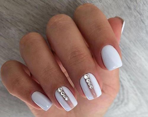 Pomysły na białe paznokcie