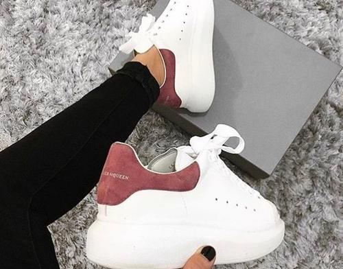 Jak wyczyścić białe buty