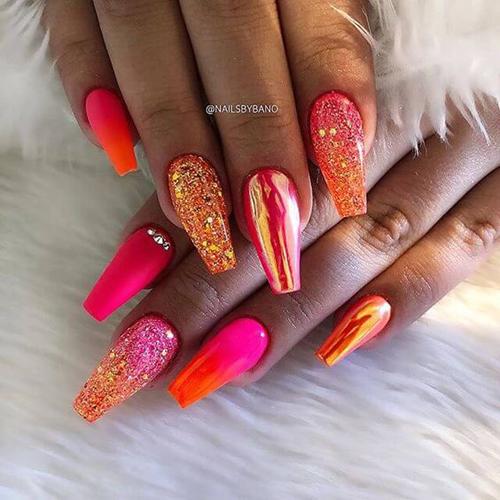 pomysły na kolorowe paznokcie