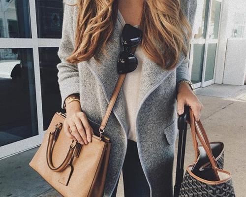 Co warto nosić w torebce?