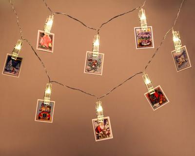 pomysły na udekorowanie pokoju zdjęciami