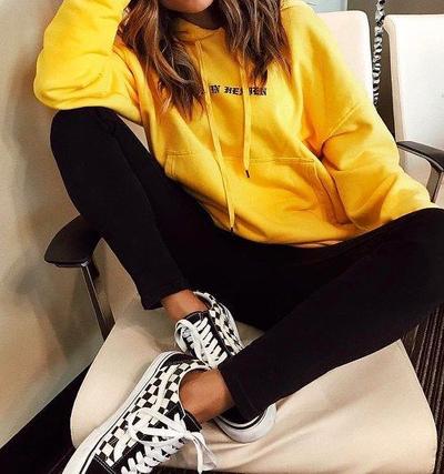 stylówki w kolorze żółtym