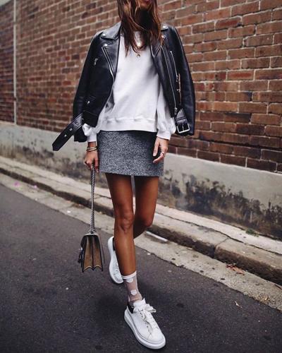 stylizacje ze spódnicą mini