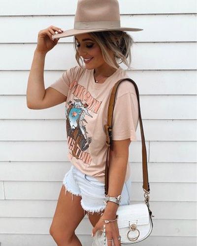 stylizacje z kolorowym T-shirtem