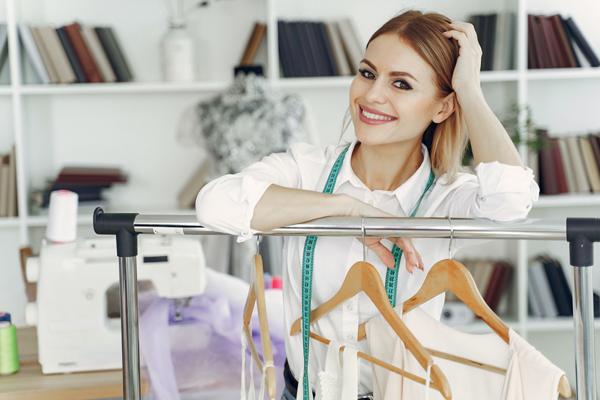 Jak sprzedawać ubrania przez internet?