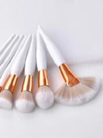 Akcesoria do makijażu z AliExpress