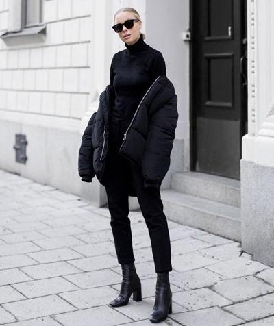 Total black look na zimę