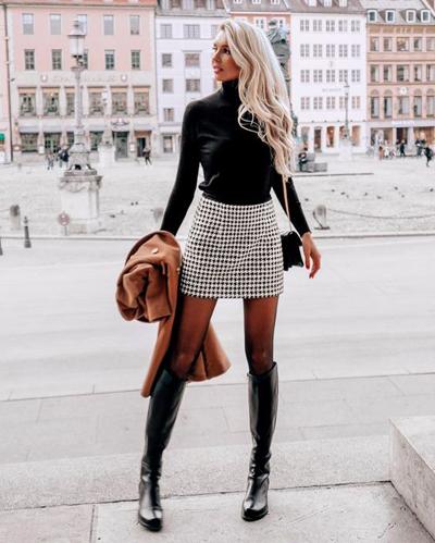 Zimowe stylizacje ze spódnicą mini